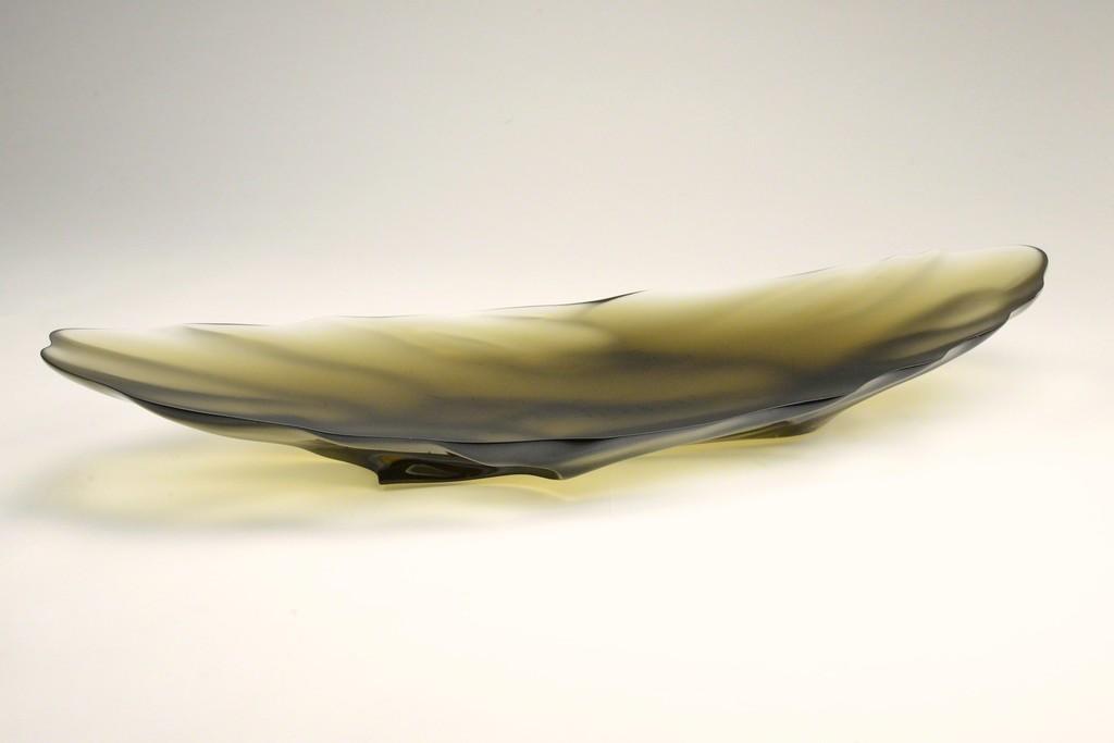 "Takahito Komure ""mirage"" 2014 glass H15xW100xD35cm"