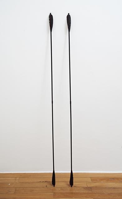 , '2 objetos úteis [2 helpful objects],' 2013, Mendes Wood DM