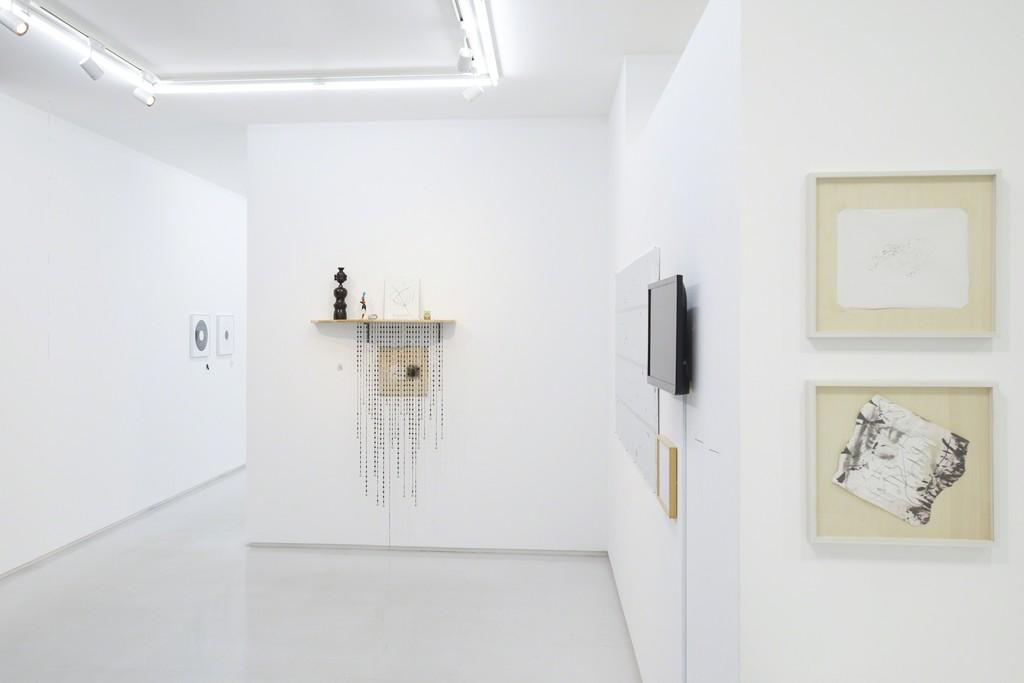 "Installation view from ""Humor Identification"" 8/ ART GALLERY/ Tomio Koyama Gallery, 2017 ©Atsushi Nishijima, photo by Kenji Takahashi"