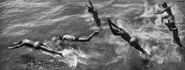 , 'Boys Diving Into Surf,' 1954, Galerie Thierry Bigaignon