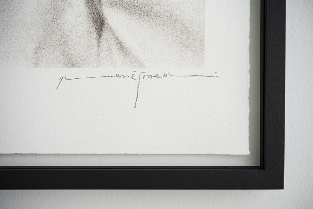 Signature of René Groebli in pencil on Platinum Print