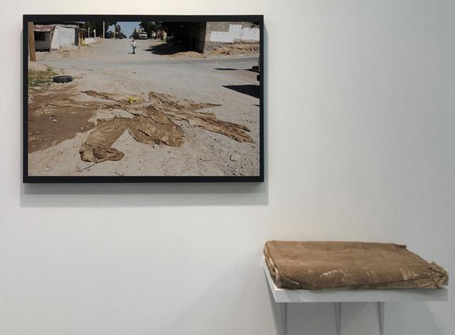 , 'Tela en el desierto (Fabric in the desert),' 2018, Galerie Peter Kilchmann