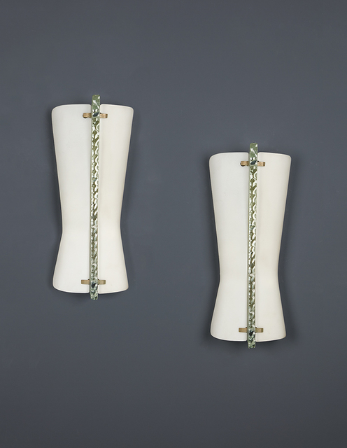Max Ingrand, 'Pair of wall light', vers 1940, Design/Decorative Art, Glass, opalin and metal, Leclere