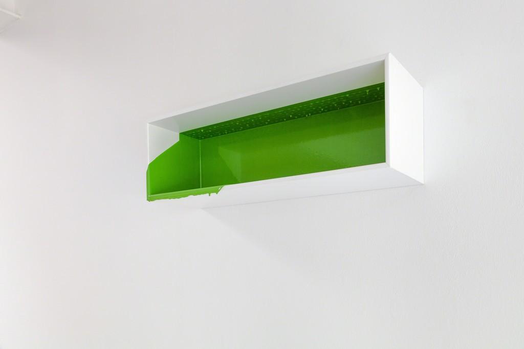 "Rainer Splitt: ""Gussbox"" (green), 2009, unique, Pigment, Epoxid in empty box, 20,5 x 60 x 19,5cm | image: ©das_esszimmer"