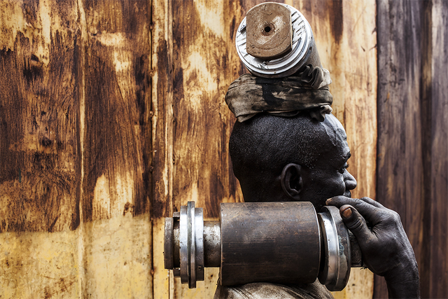 , 'Garder l'espoir / city mine Accra Ghana,' 2015, Felix Frachon