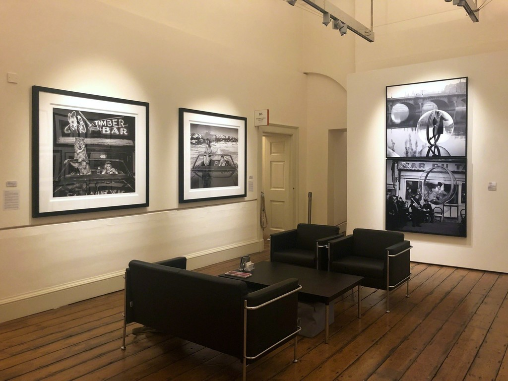 "David Yarrow's ""Coyote Ugly"" and ""No Country for Old Men"" -  Melvin Sokolsky's ""On the Seine II, Paris"" and ""Bar du Baguette, Paris"" at Photo London 2019"