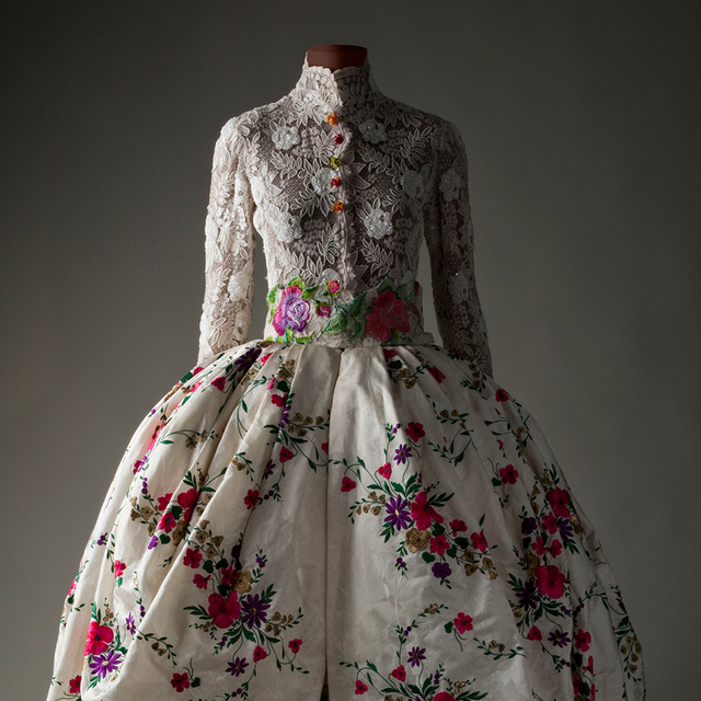 , 'Bridal gown,' 1996-1997, Bellevue Arts Museum