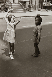 New York (two children dancing)