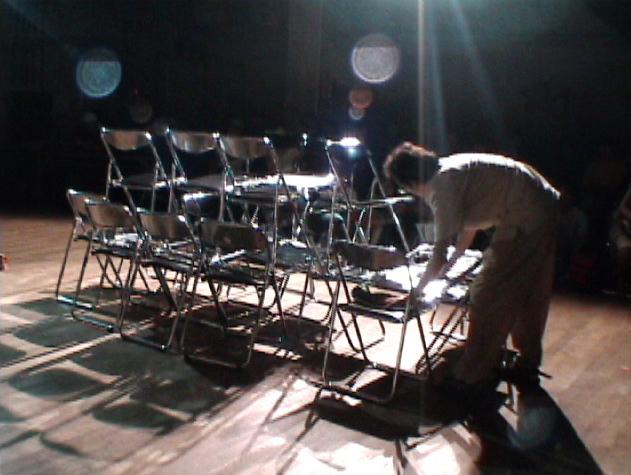 , '49 sillas y una cerveza,' 2002, Galería Alterna