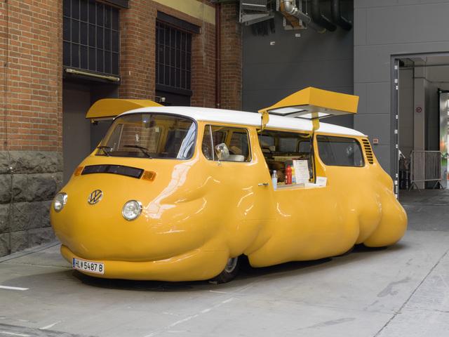 , 'Curry Bus,' 2015, KÖNIG GALERIE