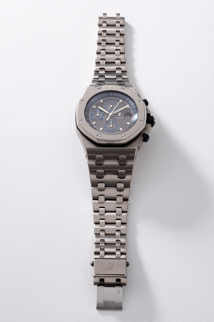 Audemars Piguet, 'A fine and attractive titanium chronograph wristwatch with grey dial, date, bracelet, guarantee and box', Circa 2000, Phillips
