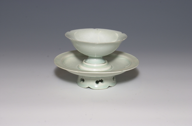 , 'Bluish-white (qingbai ) glazed bowl and stand ,' Song dynasty, Art Museum of the Chinese University of Hong Kong
