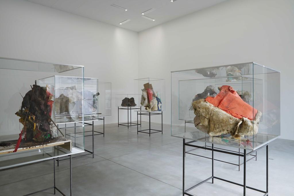 Peter Buggenhout M – Museum leuven, zaalzicht , 2015 Photo: Dirk Pauwels