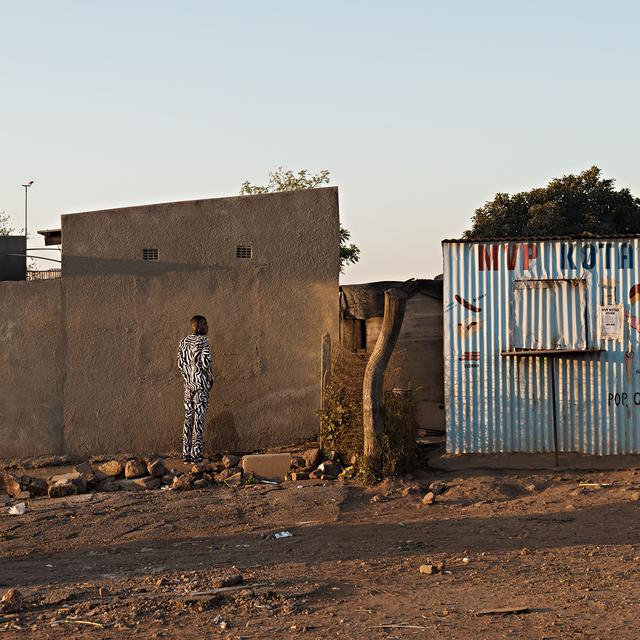 , 'Ingwe idea ngamabala-idube eWinnie. Thembisa, Johannesburg,' 2018, Goodman Gallery