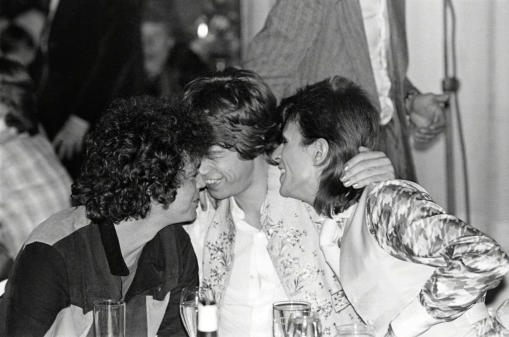 Reed, Bowie, Jagger Cuddling