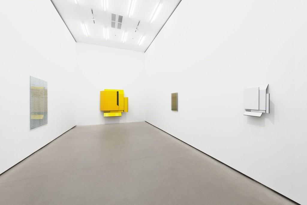 Carsten Sievers, STUTZEN, Exhibition view, Galerie EIGEN + ART Berlin, Photo: Uwe Walter, Berlin
