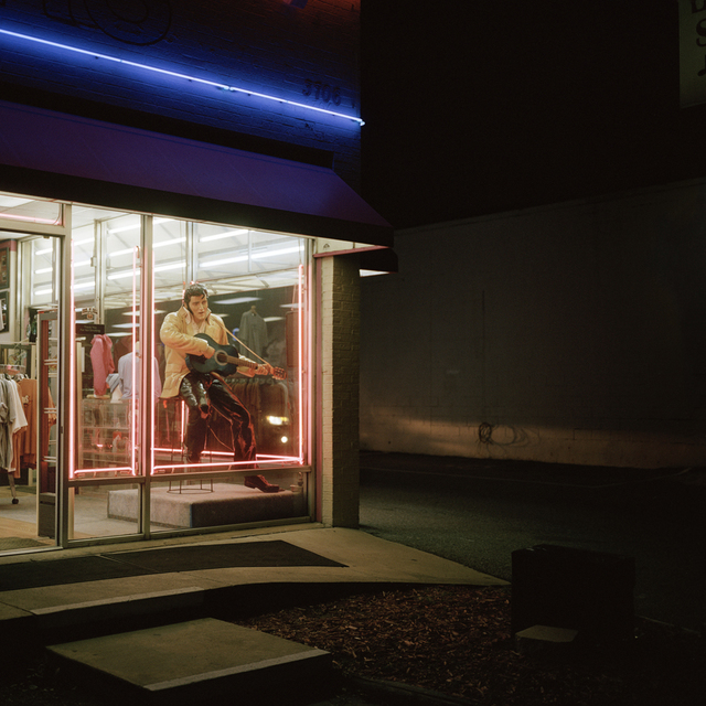 , 'Souvenir shop, Elvis Presley Boulevard, Memphis Tennessee,' 2014, Galleri Tom Christoffersen