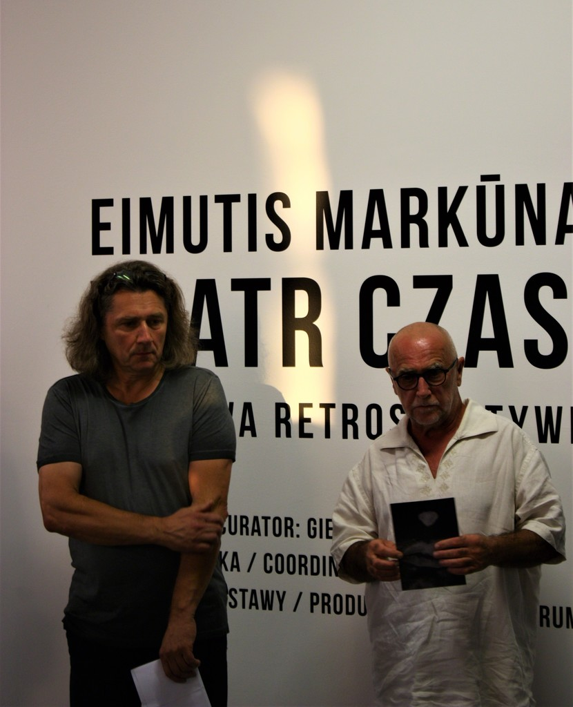 "Private view of the exhibition - Eimutis Markūnas (on the left) and director of ""Znaki Czasu"" Wacław Kuczma (on the right). Photography by Povilas Ramanauskas."