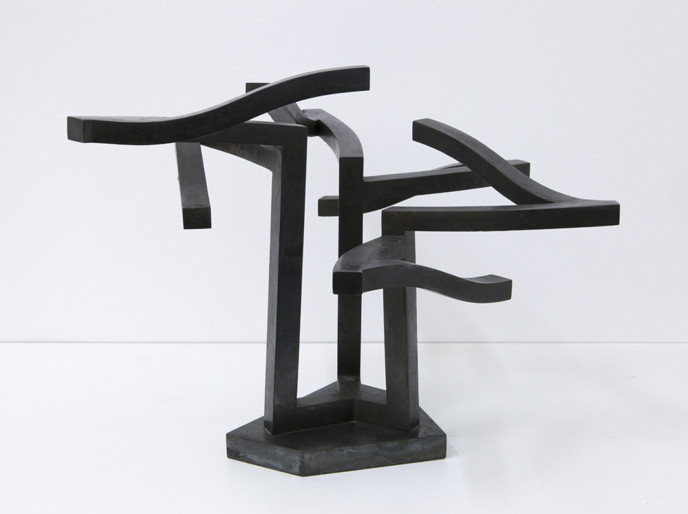 Ursula Sax, Brasilia (model for a large size sculpture, situated at German embassy in Cairo), 1970, ca. 39 x 48 x 48, iron; photo: Lukas Heibges