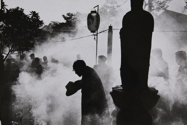 , 'Cemetery of Tokyo Temple,' 1959-vintage print, IBASHO
