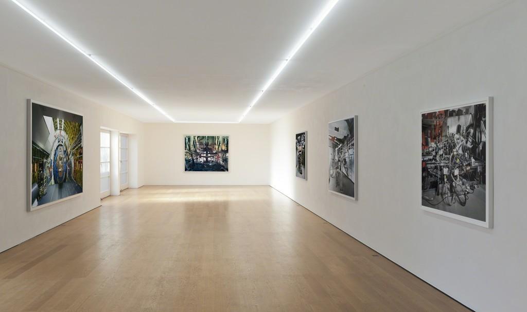 Installation view Thomas Struth at Galerie Rüdiger Schöttle, 2015. Photo: Wilfried Petzi.