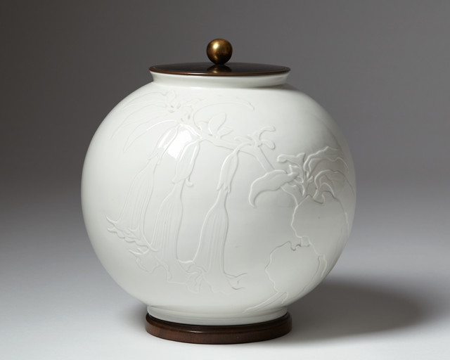 , 'Lidded urn ,' 1938, Modernity