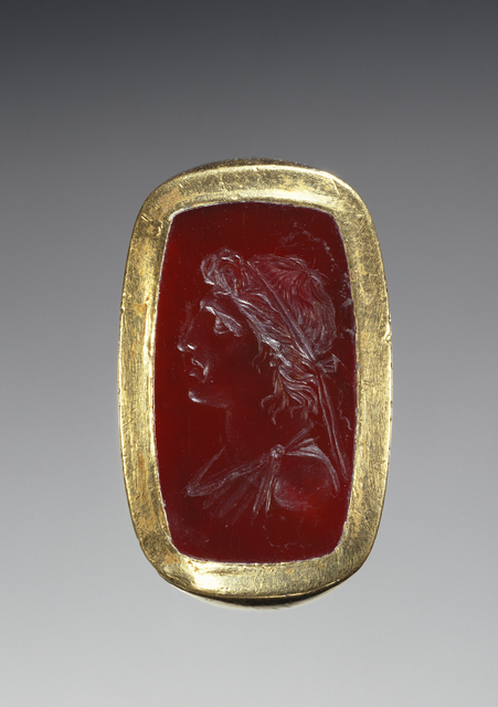 'Engraved Gem Inset Into a Hollow Ring',  1st century B.C., J. Paul Getty Museum