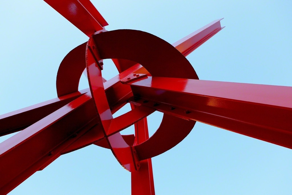 Mark di Suvero, Clock Knot, 2007. Photo by Jacob Termansen. Courtesy of Landmarks, the public art program of The University of Texas at Austin.