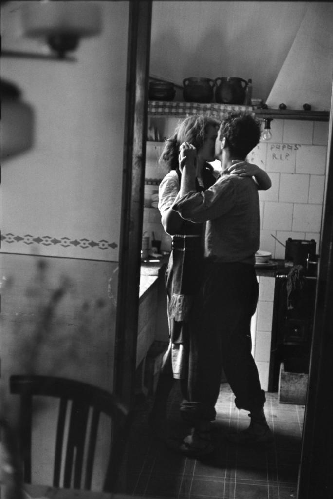 Valencia, Spain (dancing couple)