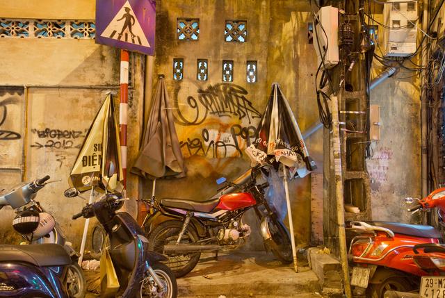 , 'Hanoi 18h6h 54 Ngo Huyen Street,' 2014, Art Vietnam Gallery