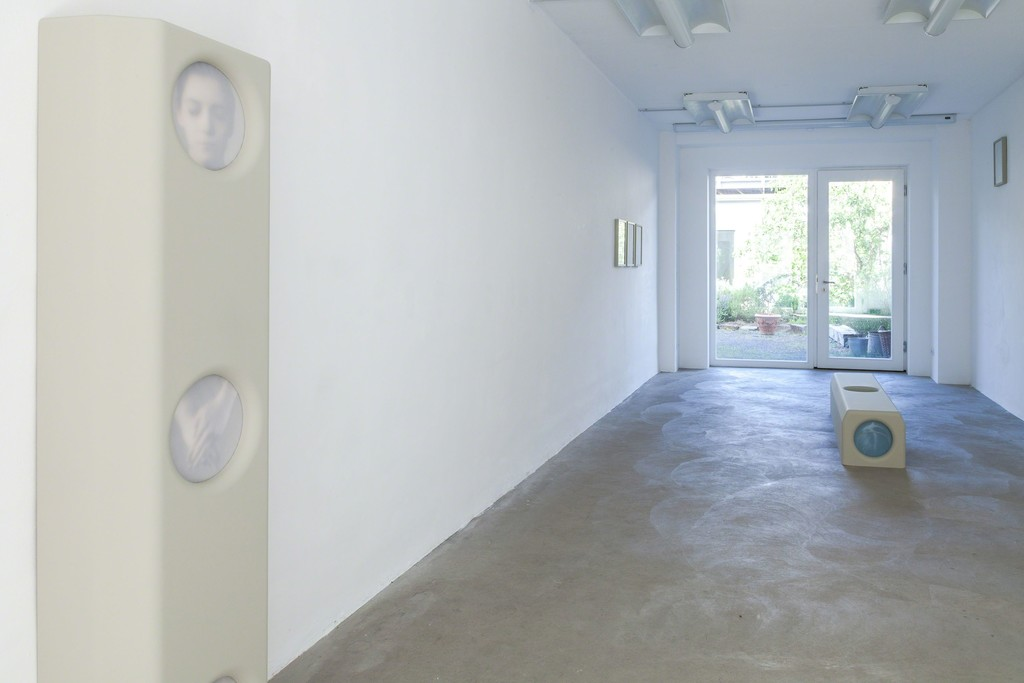 "Michael Volkmer: installation view (from left to right): ""housing #1"" / Eva-Marie, 2015 