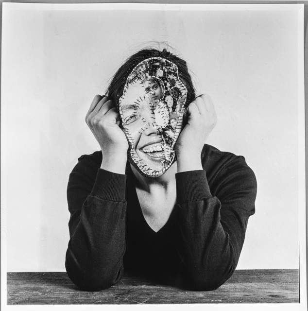 , 'Sich zusammenhalten,' 1978, Anita Beckers