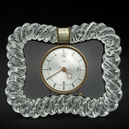 A 30s table clock