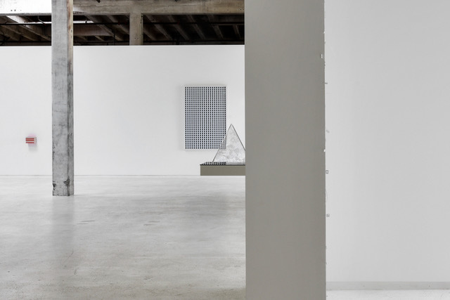 Installation shot courtesy of Ugo Carmeni, Marco Maggi, and Hosfelt Gallery, San Francisco
