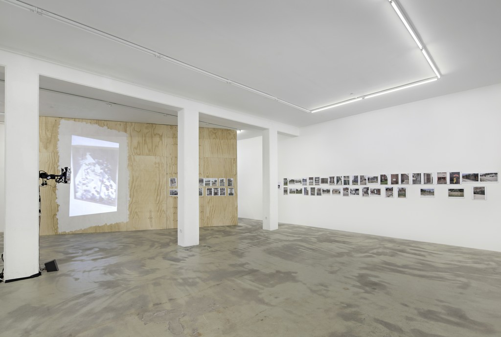 Peggy Buth, The Politics of Selection – Vom Nutzen der Angst, 2015, exhibition view at Klemm's, Berlin