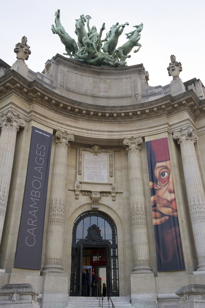 Entrée de l'exposition Carambolages au Grand Palais © Rmn-Grand Palais / Photo Didier Plowy, Paris 2016