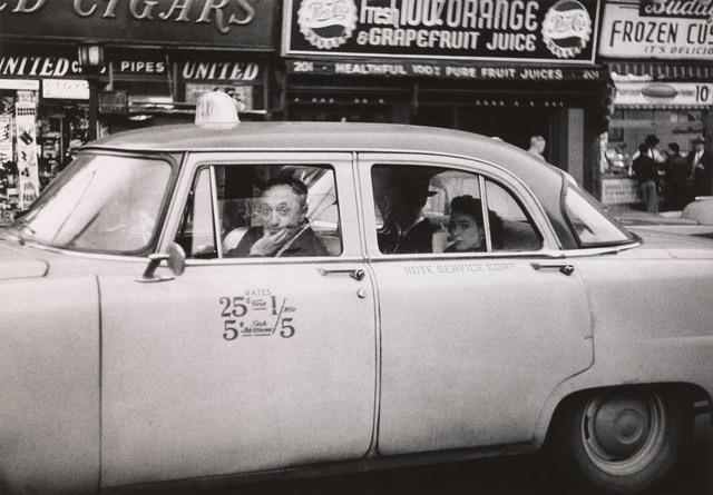 , 'Taxicab driver at the wheel with two passengers, N.Y.C.,' 1956, San Francisco Museum of Modern Art (SFMOMA)