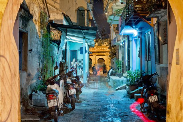 , 'Hue 18h6h 03 - Bach Dang Street 01,' 2014, Art Vietnam Gallery
