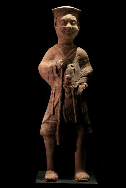 "Han Dynasty, 'Standing Horse Trainer ""Palafrenieri""', 206 BCE-220, Muzeion Gallery"