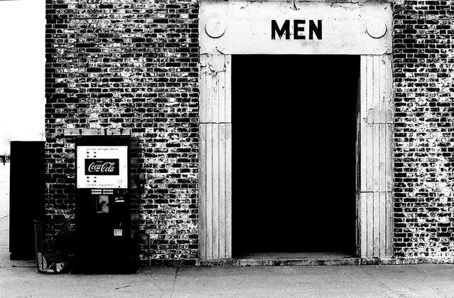 Pete Marifoglou Men, 1971 auf Hahnemühle Museum Etching Deckle Edge 20 x 28cm