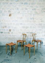Gaulino Deux chaises et deux tabourets