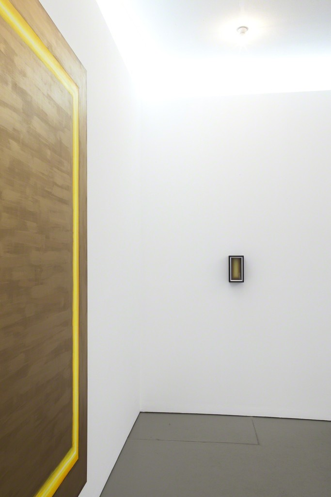 Exhibition view with 'E lucevan le stelle' (detail) an wall object/painting with the same title; photo: Lukas Heibges