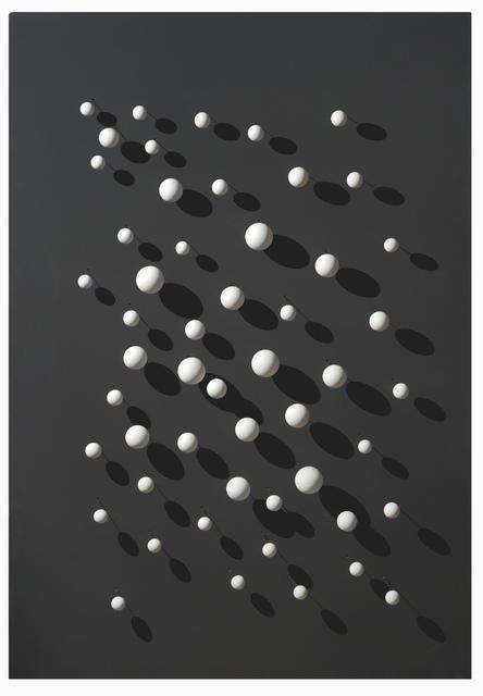 """, '""""52 boules blanches sur fond noir"""",' 2003, GALERIE ANTOINE LAURENTIN"""