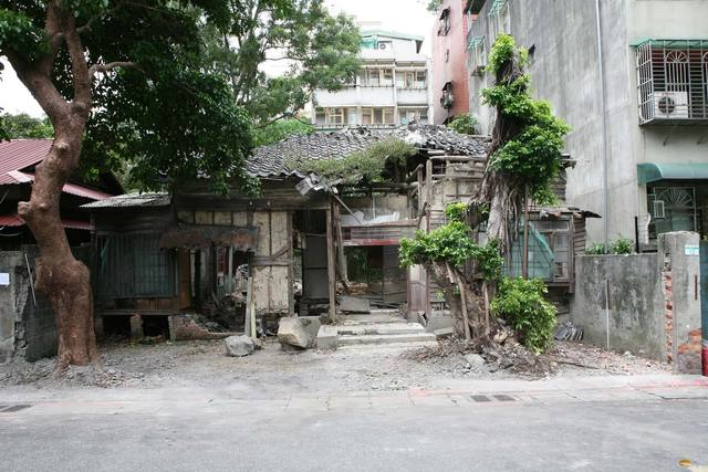 , 'Removing the outside wall of a ruined house, Quidongstreet Taipei,' 2008, Mor Charpentier