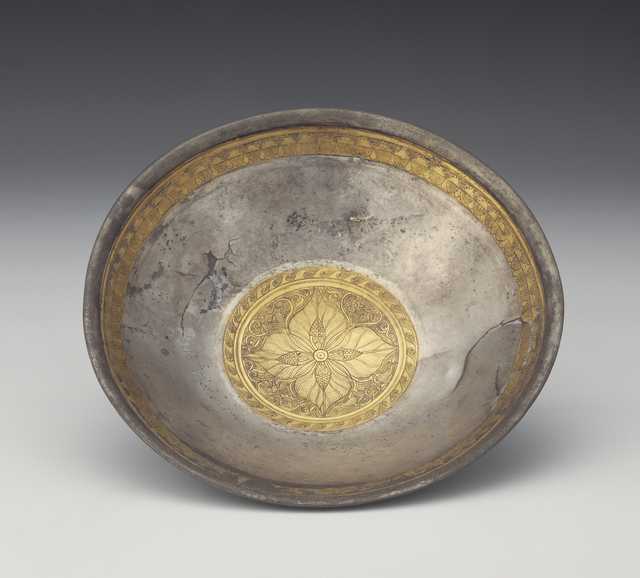 'Bowl with Leaf Calyx Medallion',  1st century B.C., J. Paul Getty Museum