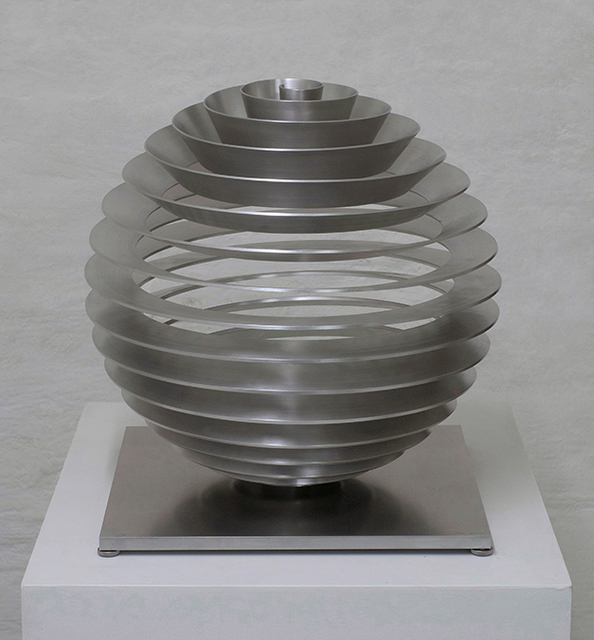 , 'Kugel, radial (Sphere),' 2013, Renate Bender