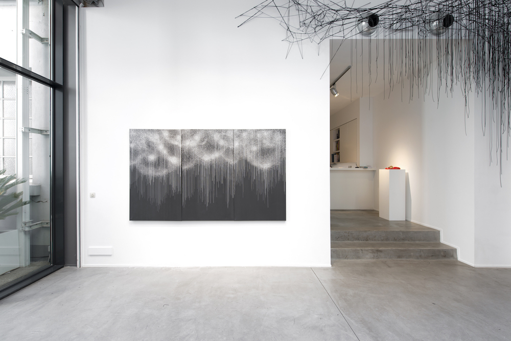 Black Rain - Solo Show Chiharu Shiota at Gallery Templon Brussels  (c)Isabelle Arthuis