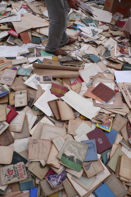 , 'Le reste - Del libro y su emocion,' 2004, ADN Galeria (Barcelona)