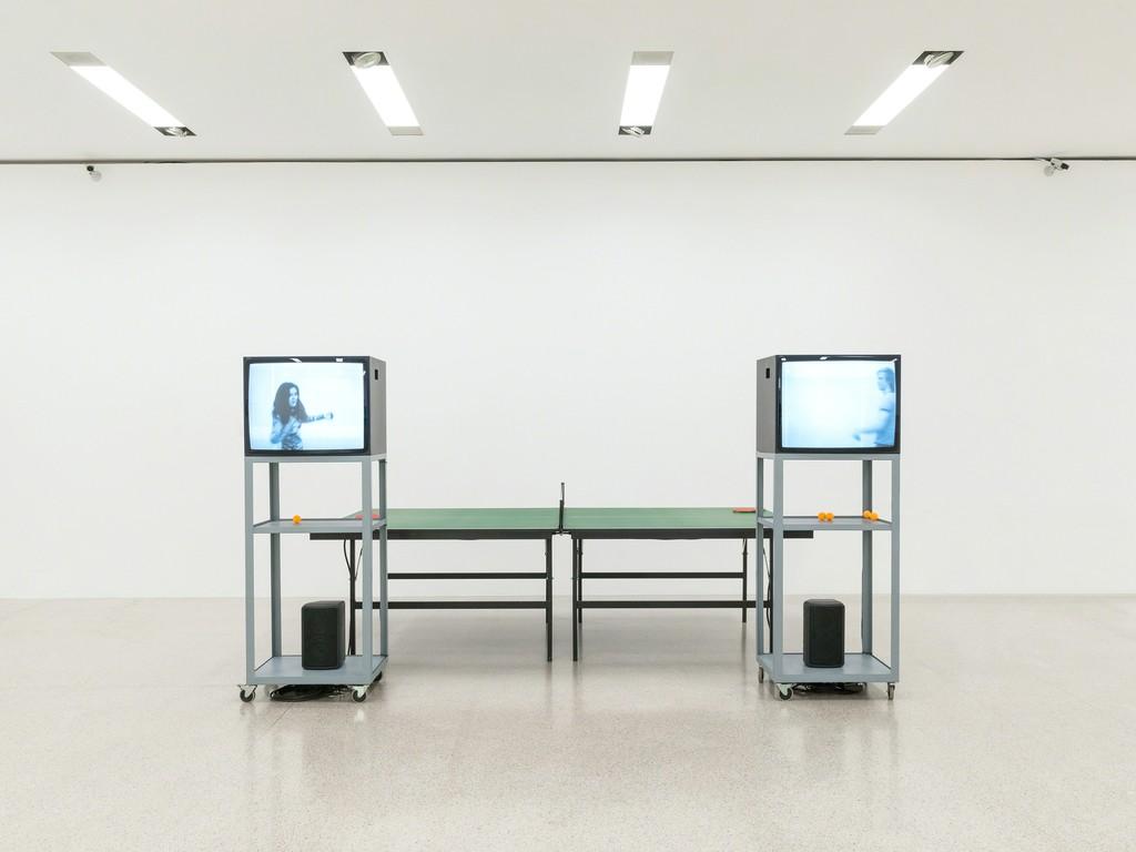 Ausstellungsansicht / Installation view Ernst Caramelle. Ein Résumé / A Résumé, mumok, 30.11.2018–28.4.2018 Video-Ping-Pong, 1974, Courtesy Sammlung Generali Foundation / Generali Foundation Collection Photo: Klaus Pichler © mumok
