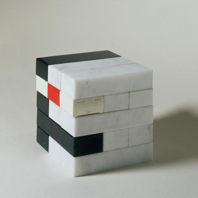 , 'Taj Mahal e a possibilidade do amor na era do cubo epistemológico,' 2000, Marsiaj Tempo